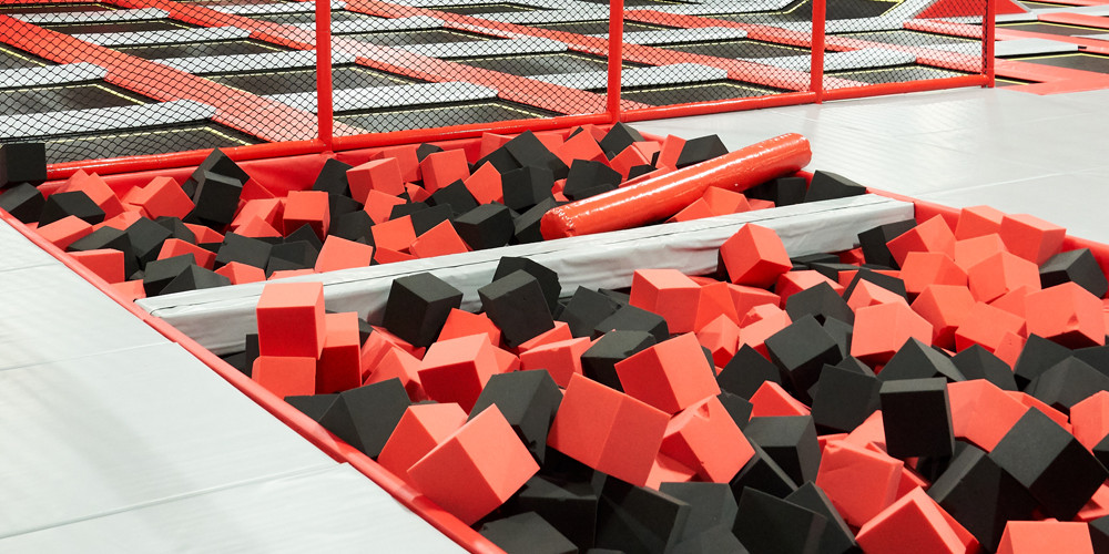 battle-beam4_jumping-point-trampolinpark-quickborn