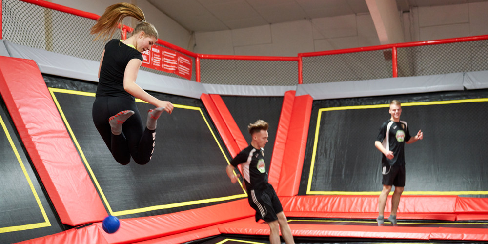 dodge-ball11_jumping-point-trampolinpark-quickborn
