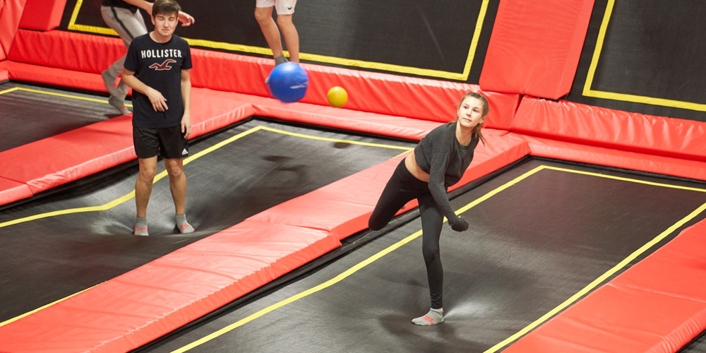 dodge-ball4_jumping-point-trampolinpark-quickborn