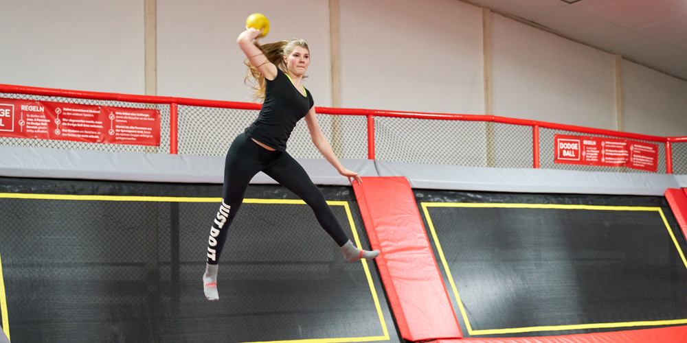 dodge-ball6_jumping-point-trampolinpark-quickborn