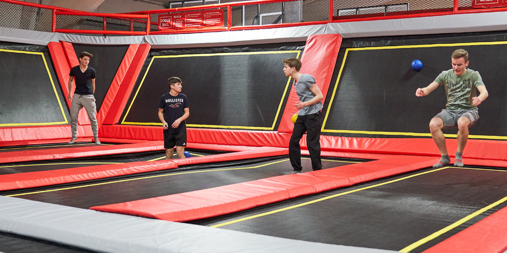 dodge-ball8_jumping-point-trampolinpark-quickborn