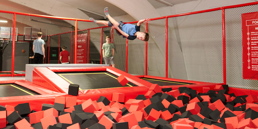 foam-pit1_jumping-point-trampolinpark-quickborn