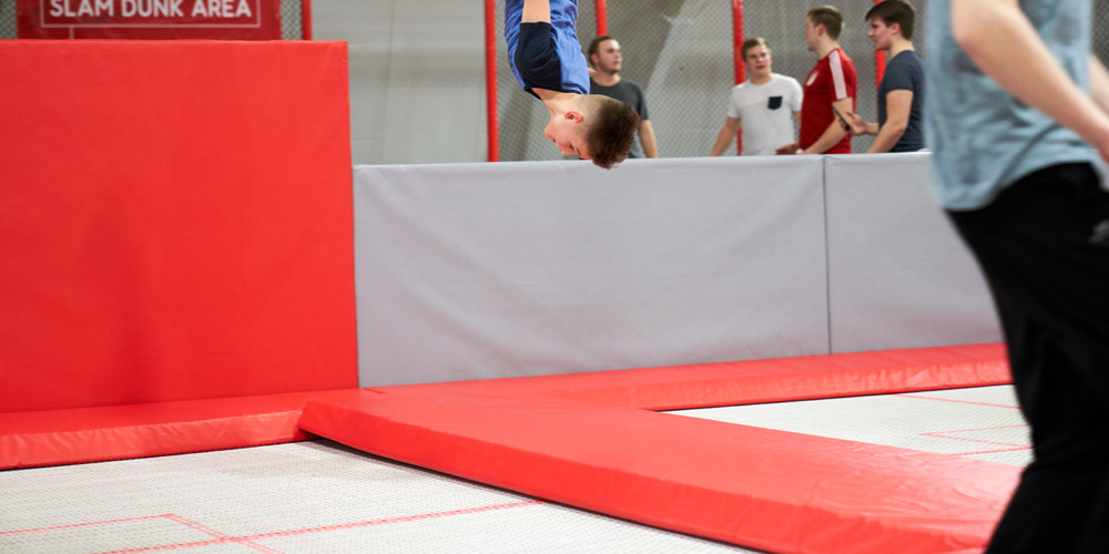 high-jump1_jumping-point-trampolinpark-quickborn