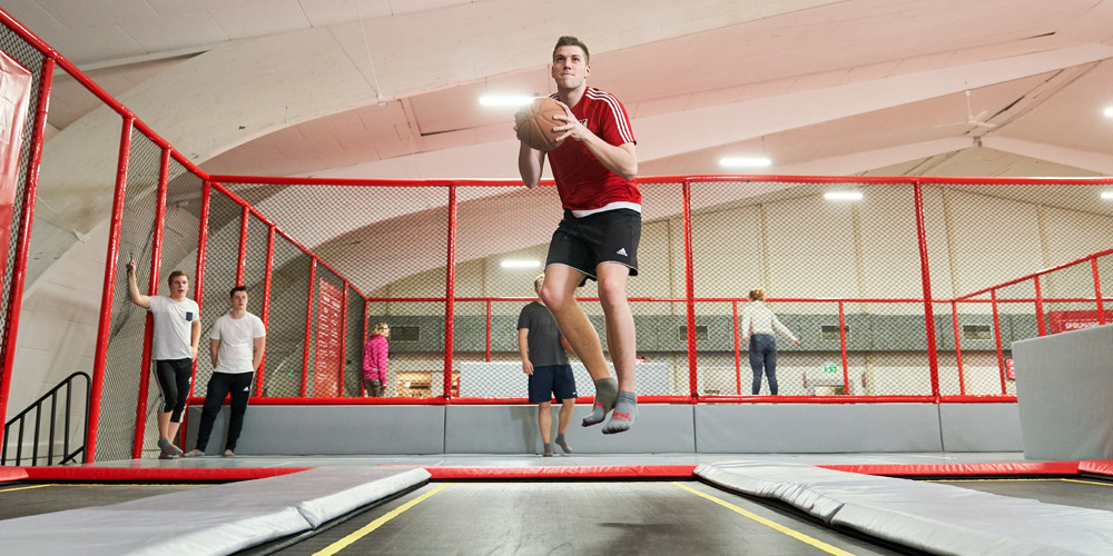 slam-dunk3_jumping-point-trampolinpark-quickborn